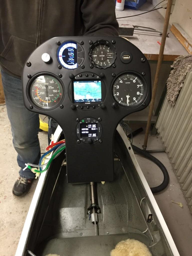 """Das """"neue"""" Instrumentenbrett der LS8 mit LX8080, V8 und KTR 2"""